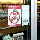 Aviso em loja de cidade alemã mostra que papai noel é proibido
