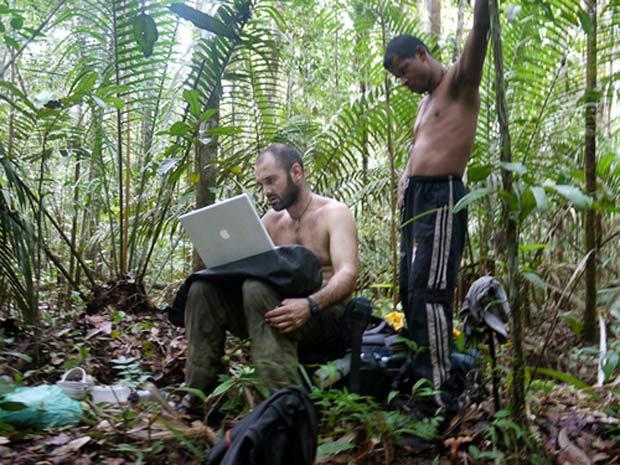 Ed Stafford, 34, começou sua jornada de 9,5 mil quilômetros no dia 2 de abril de 2008 no monte Mismi, no Peru