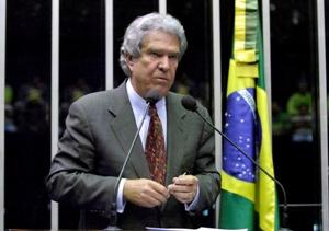 Senador Hélio Costa (PMDB-MG), candidato ao governo de Minas Gerais, na sessão do Senado (Foto: Geraldo Magela - Agência Senado)