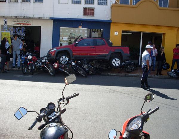 acidente aconteceu numa das ruas mais movimentadas do centro da cidade.