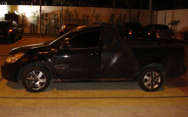 Visão lateral da picape da Chevrolet