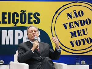 O presidente do Tribunal Superior Eleitoral, ministro Ricardo Lewandowski, durante solenidade de lançamento da campanha Eleições Limpas, em parceria com a Associação dos Magistrados Brasileiros (AMB)