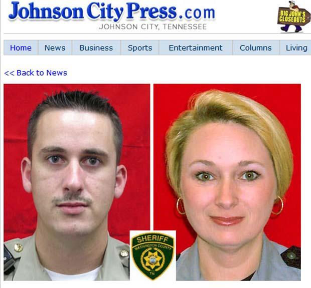 Policiais Chris Adkins e Scarlett Dennison.