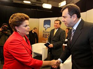Dilma Rousseff chega nesta quinta-feira aos estúdios do grupo RBS, em Florianópolis.