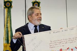 Presidente Lula durante cerimônia nesta quinta-feira (12)