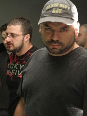 O escritor André Vianco na pré-produção do piloto de TV para a sua saga 'O turno da noite'.