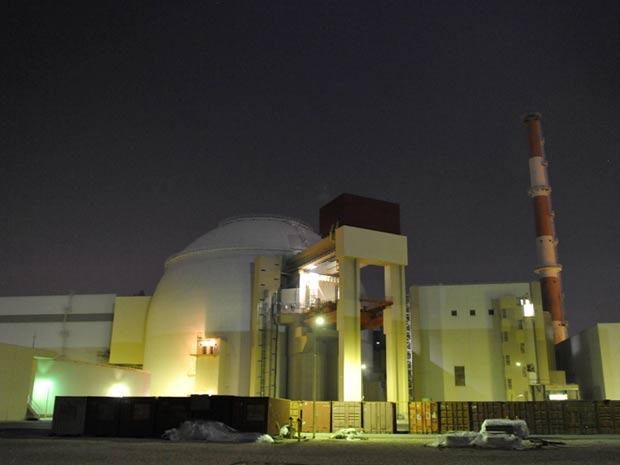 Imagem de arquivo da agência iraniana Isna mostra a primeira usina atômica do Irã, Bushehr