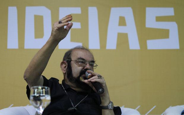 O cineasta José Mojica Marins, mais conhecido pelo nome do personagem Zé do Caixão, abriu o primeiro dia da 21ª Bienal do Livro de São Paulo nesta sexta-feira (13). Em debate para um público formado em sua maioria por crianças, o diretor chamou a saga