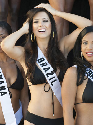 A Miss Brasil Débora Lyra