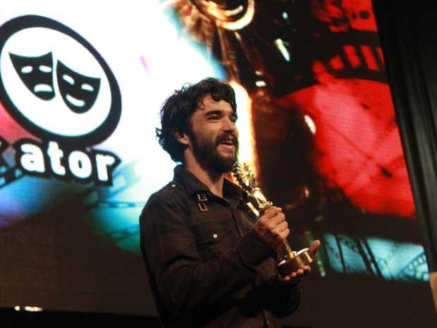 Caio Blat, protagonista de 'Bróder', recebeu o Kikito de melhor ator.