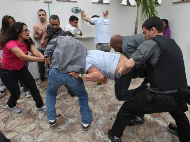 DJ e empresário resistiu à prisão, durante festa no subúrbio