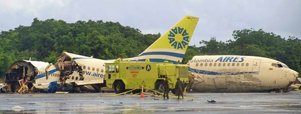 Avião acidentado nesta segunda-feira, em San Andrés, na Colômbia