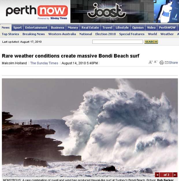 Jovem se arriscou e ficou na beirada de rocha para observar ondas.