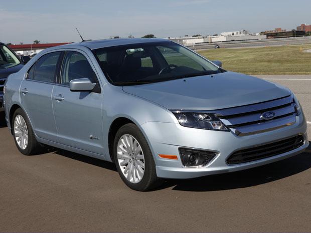 Ford Fusion na versão híbrida - com motor a combustão e elétrico - chega ao mercado brasileiro no final deste ano.