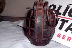 Granada da revolução de 1932 encontrada em Delta por crianças