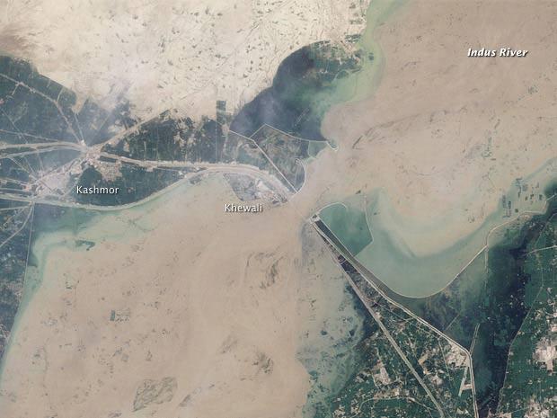Imagem de satélite mostra a região paquistanesa atingida há semanas por fortes enchentes