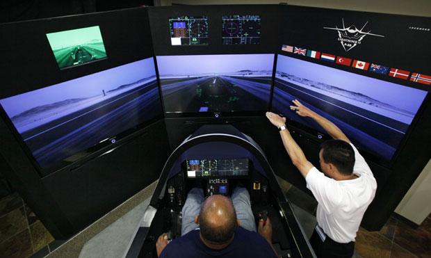 Americanos testam simulador de voo do caça f-35