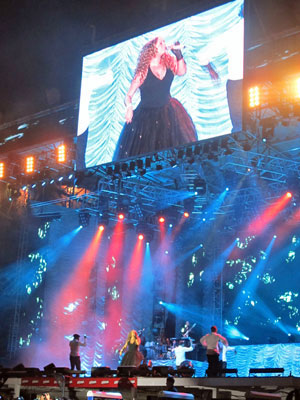 Show de Mariah Carey durou cerca de 1h20.