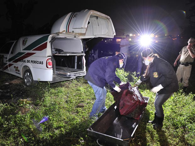 Mala encontrada em rio em Joinville tinha um corpo dentro