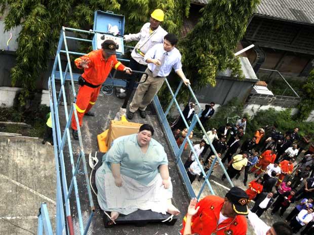Operação de transferência para o hospital envolveu funcionários da prefeitura de Bancoc