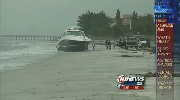 Embarcação apareceu em praia na Flórida.