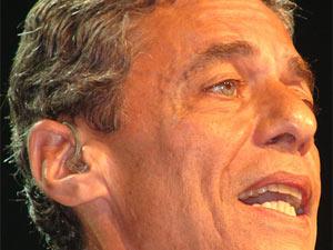 Chico Buarque concorre ao Jabuti com 'Leite derramado'