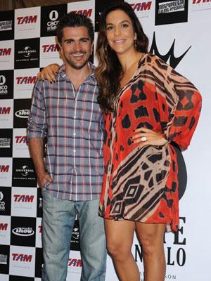 Ivete Sangalo com o cantor Juanes em entrevista coletiva nesta sexta (3).