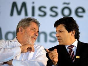 O pesidente Lula e o ministro da Educação, Fernando Haddad, durante inauguração de unidades de universidades federais, em Santa Maria (RS)