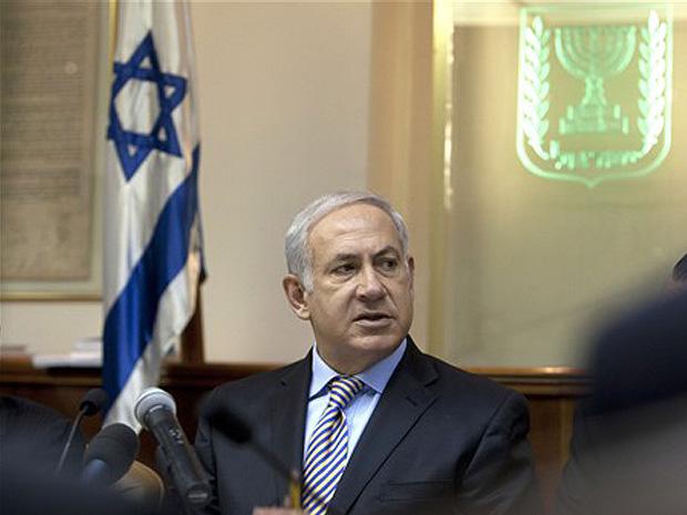 O primeiro-ministro israelense Benjamin Netanyahu preside a reunião semanal do gabinete em seu escritório de Jerusalém, em 5 de setembro, 2010.