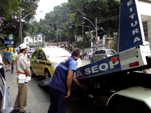 Fiscais da Seop rebocaram veículos no Corcovado