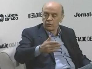 O candidato do PSDB José Serra durante sabatina do Grupo Estado
