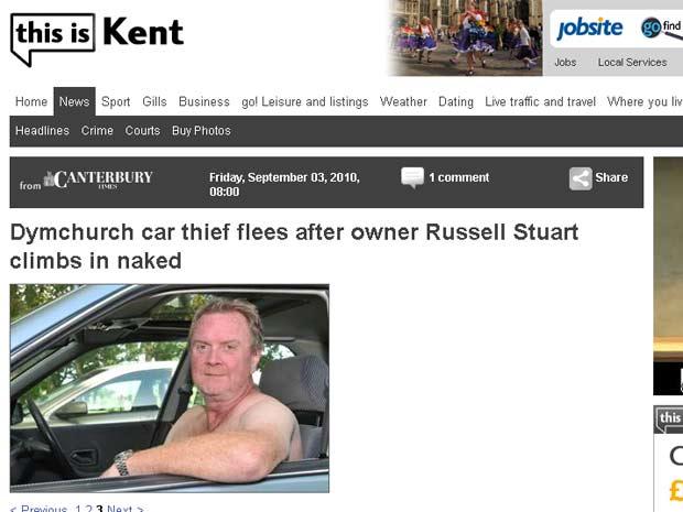 Russell Stuart evitou roubo de carro após sair nu e assustar ladrão.