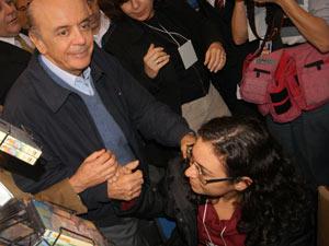 candidato à Presidência da República pelo PSDB, José Serra, durante corpo a corpo na 9ª Expocristã, realizada no Expo Center Norte, na região norte na capital paulista, nesta terça-feira (7). 07/09/2010 - Foto: