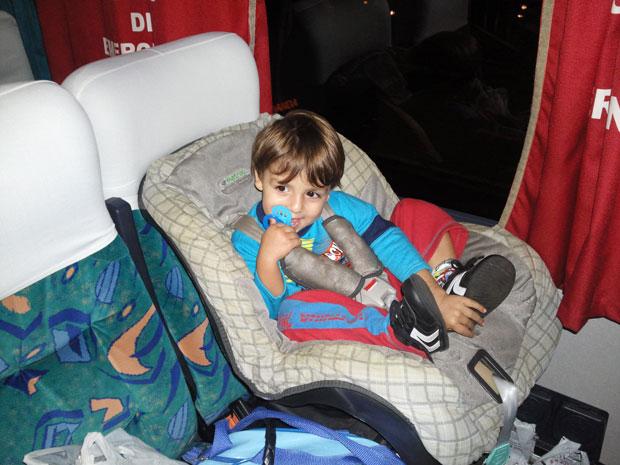 Meu filho viajou de ônibus com a cadeirinha no banco de passageiro