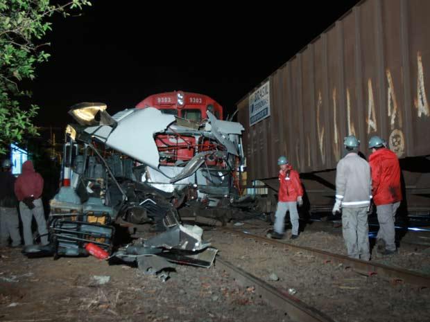 Acidente com trem deixou nove mortos na noite desta quarta-feira