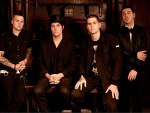 Os membros da banda de hard rock Avenged Sevenfold.