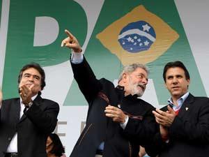 Presidente Lula conversa com prefeito de São Bernardo do Campo, Luiz Marinho, durante cerimônia de inauguração da Unidade de Pronto Atendimento 24 horas (UPA)