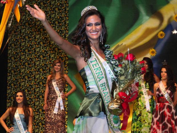Driely Bennettone, de São Paulo, vence o Miss Terra Brasil,  realizado em Belo Horizonte