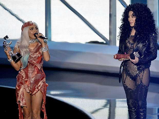 Lady Gaga recebe prêmio de Sher.