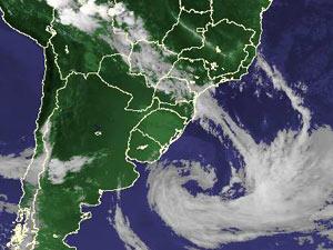 Imagem de satélite mostra ciclone extratropical próximo à Região Sul