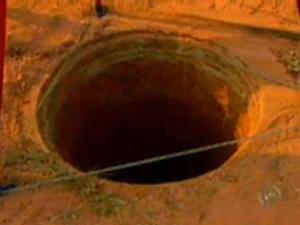 Buraco em que operário ficou preso tinha 30 metros de profundidade