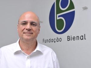 Agnaldo Farias, um dos curadores de 29ª Bienal de São Paulo
