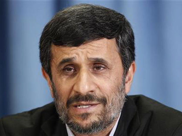 O presidente do Ir&#227;, Mahmud Ahmadinejad, d&#225; entrevista nesta sexta-feira (24) em Nova York.