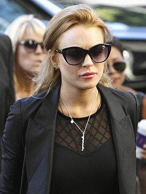 Lindsay Lohan chega à corte de Beverly Hills