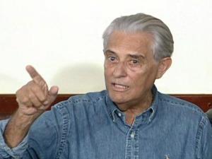 Ex-governador do Distrito Federal, Joaquim Roriz (PSC), durante coletiva nesta sexta-feira (24).