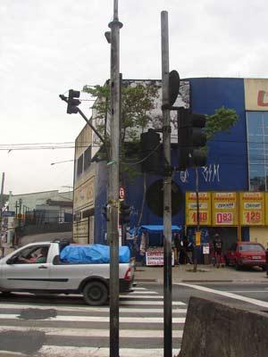Rapaz morreu após choque em poste em Santo André, no ABC