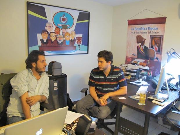 No escritório do site 'Capivara Bipolar', Oswaldo Graziani (esquerda) e Juan Andres Ravell