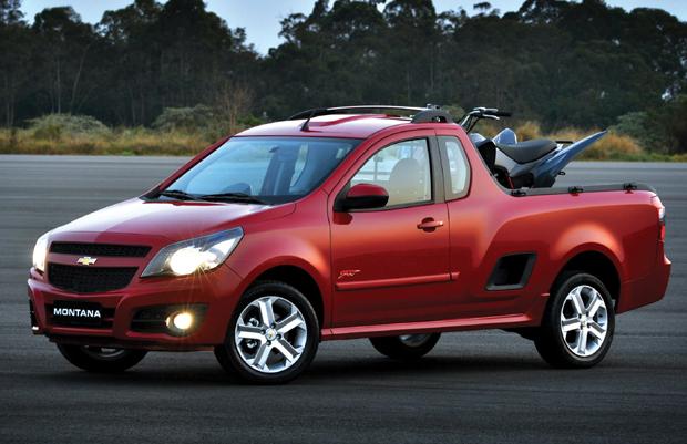 Picape tem a maior capacidade de carga do segmento, mas perde em volume para a Peugeot Hoggar.