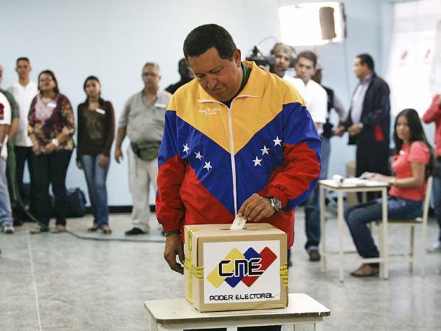 Presidente hugo Chávez vota em Caracas