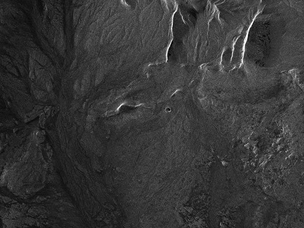 Meteorito teria originado a cratera Kamil, no Egito, há não mais de 10 mil anos.